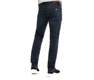 Herr byxor jeans Mustang  Chicago Tapered   1009148-5000-883